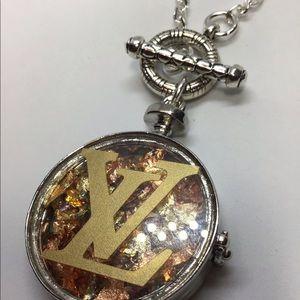 Jewelry - Beautiful fashion necklace.